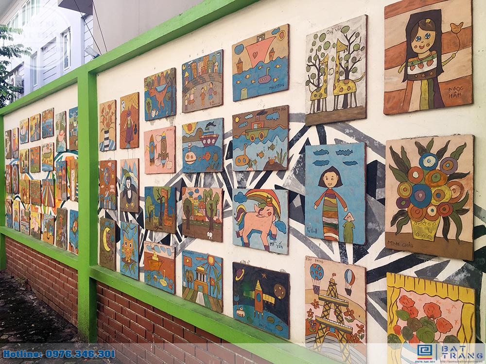Đơn hàng 300 tranh gốm sứ Bát Tràng cho trường mầm non Thần Đồng 4