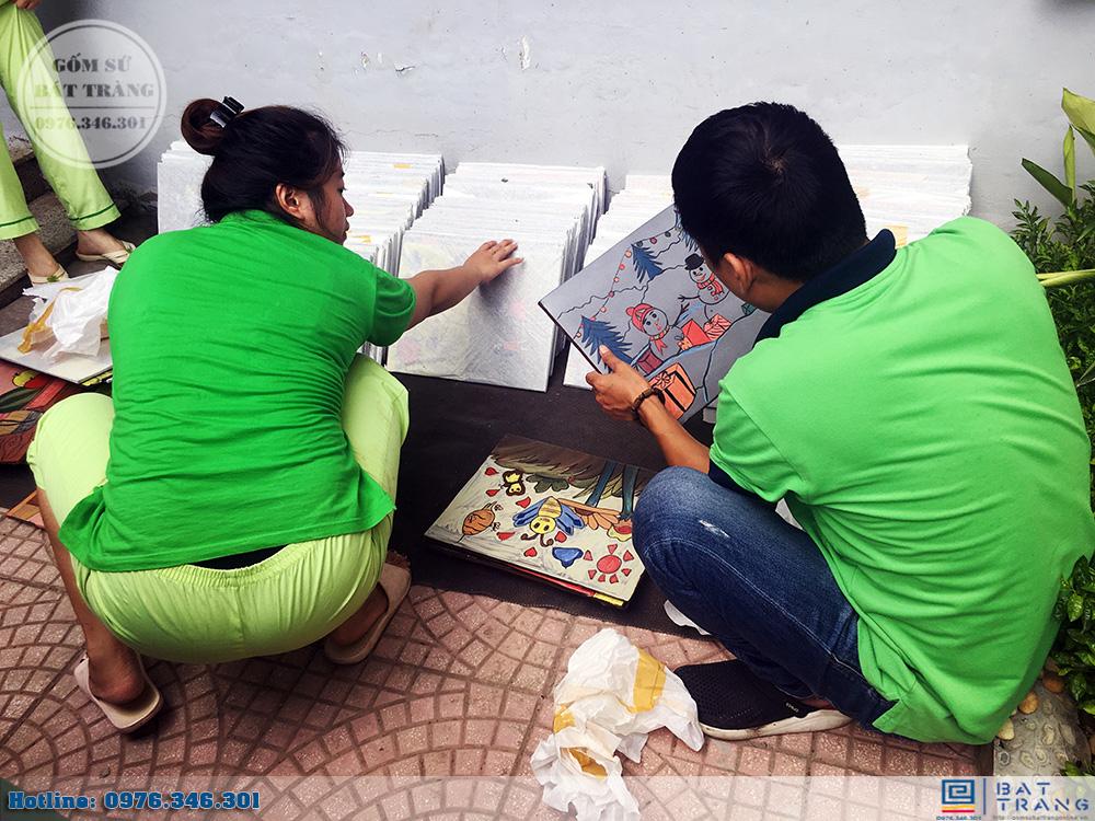 Đơn hàng 300 tranh gốm sứ Bát Tràng cho trường mầm non Thần Đồng 7